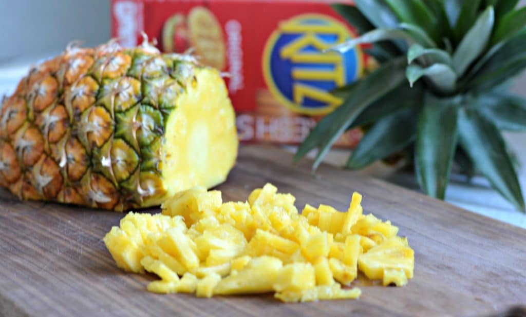 Bacon Jalapeno Cheese ball pineapple