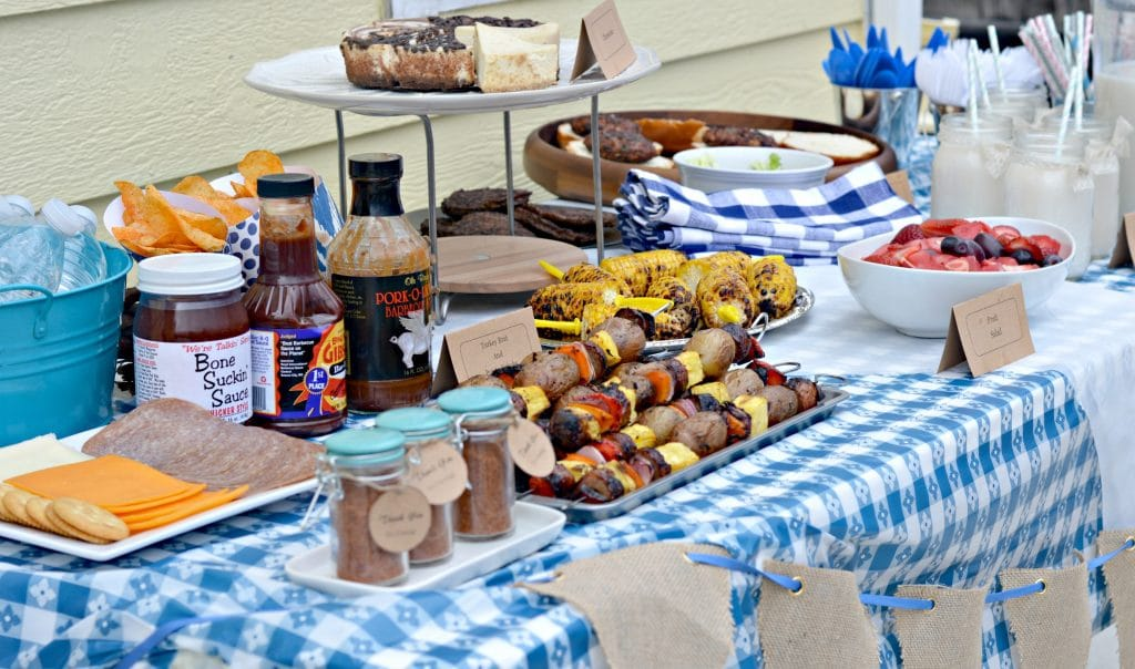 Backyard BBQ Ideas - the table set up